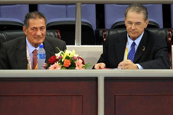<p>IOC-Präsident Jacques Rogge (re) undIHF-Präsident Dr. Hassan Moustapha</p><p>Die hier veröffentlichten Bilder unterliegen dem deutschen Copyright, Speicherung und Einbindung in andere, auch nicht kommerzielle Seiten, ist untersagt. Sollten Sie an einer kommerziellen Nutzung interessiert sein, kontaktieren Sie mich bitte.</p>
